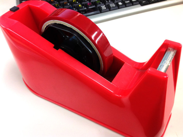 ミッキー柄の赤いセロテープ