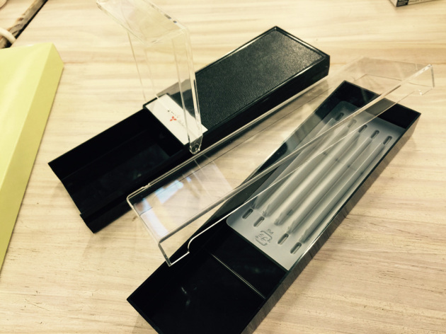 三菱鉛筆空きケース