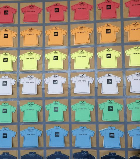 アイレットTシャツメモ帳、カラーヴァリエーション