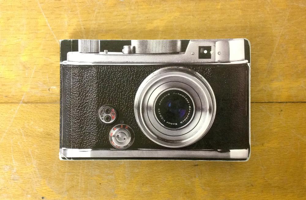 【TIGER/カメラ型ノート】モチーフと大きさが同じってつい楽しくなりますね。