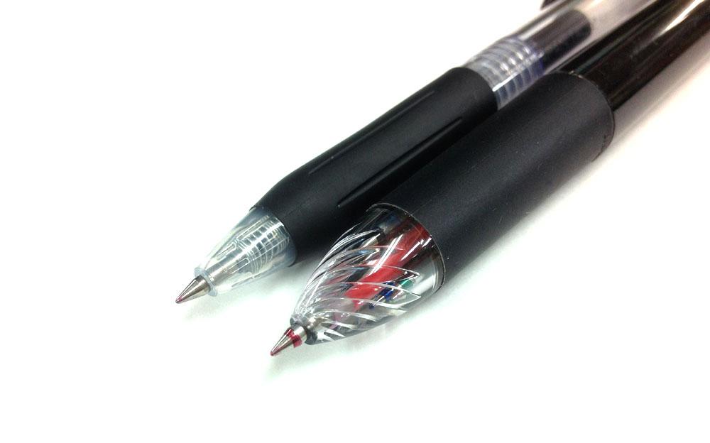 【ゼブラ/サラサマルチ0.5】学生さんにバカウケ中の水性顔料ジェルボールペンの定番がマルチに。