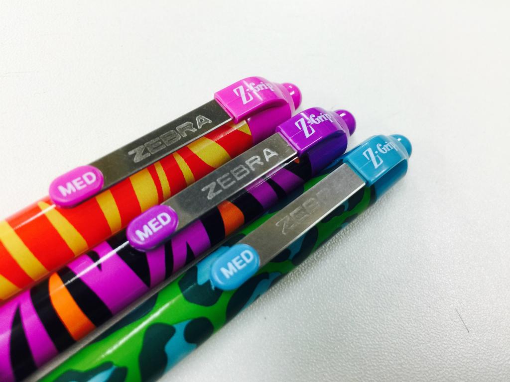 【ZEBRA.UK/Z-Grip/FUNKY Brights】マルタ共和国からのお土産でゼブラのボールペンをいただいた。